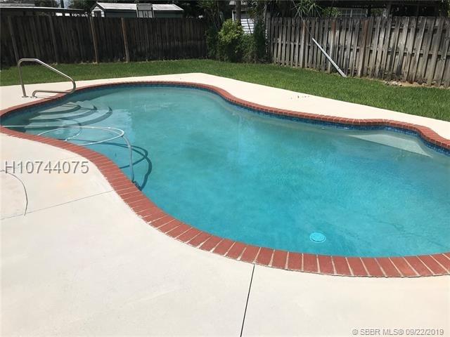 2 Bedrooms, Cooper Colony Estates Rental in Miami, FL for $1,800 - Photo 2