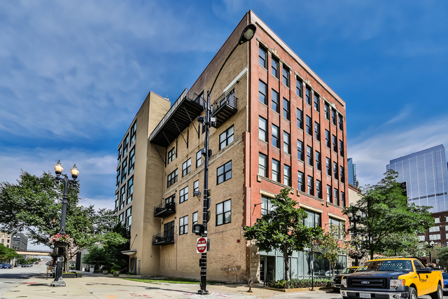 3 Bedrooms, West Loop Rental in Chicago, IL for $5,750 - Photo 1