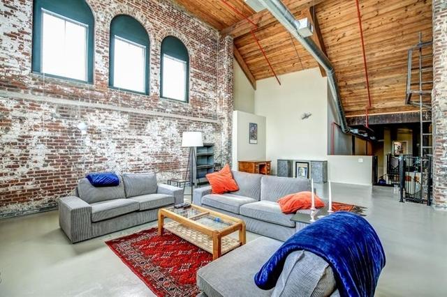2 Bedrooms, Cabbagetown Rental in Atlanta, GA for $5,100 - Photo 2