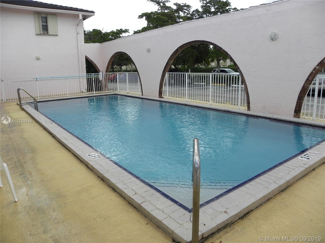 2 Bedrooms, Country Club Rental in Miami, FL for $1,350 - Photo 1