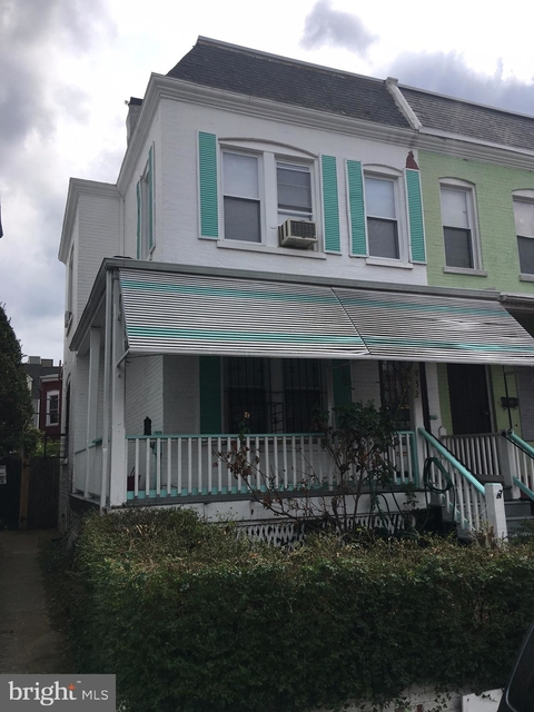 3 Bedrooms, Pleasant Plains Rental in Washington, DC for $2,800 - Photo 2