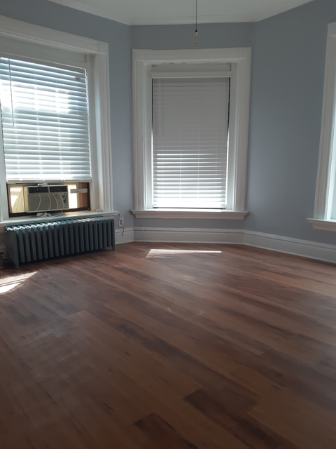 2 Bedrooms, Oakland Rental in Chicago, IL for $1,150 - Photo 1
