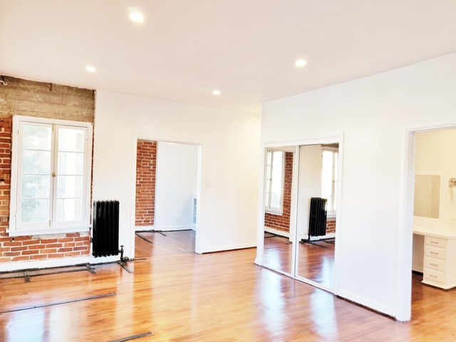 1 Bedroom, Hollywood Hills West Rental in Los Angeles, CA for $2,050 - Photo 2