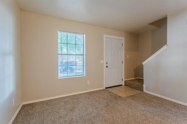 2 Bedrooms, Axe Rental in Dallas for $1,025 - Photo 2