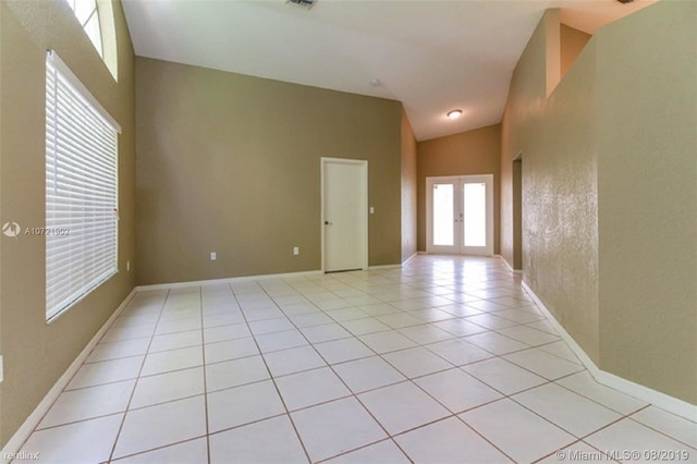 3 Bedrooms, Holiday Springs Village Rental in Miami, FL for $2,275 - Photo 2
