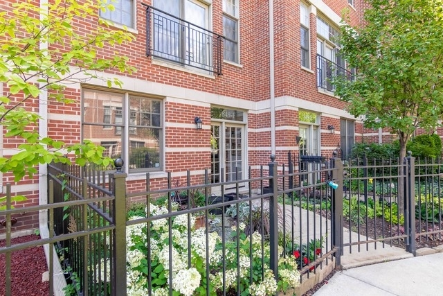 3 Bedrooms, Goose Island Rental in Chicago, IL for $4,250 - Photo 1