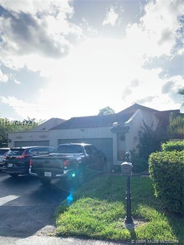 4 Bedrooms, Patio Villas Rental in Miami, FL for $2,500 - Photo 1
