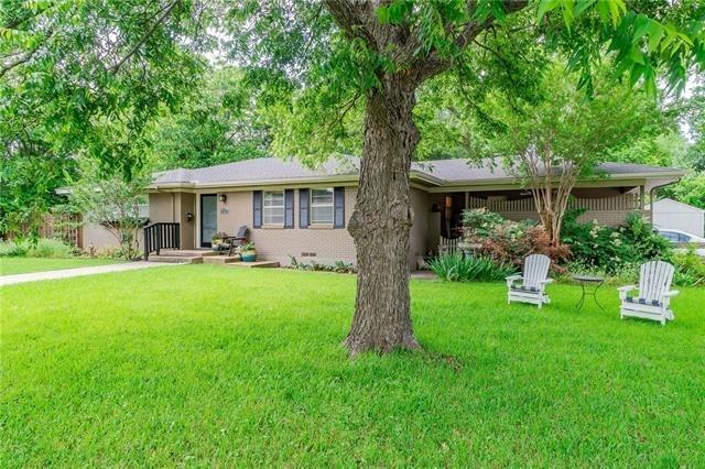 3 Bedrooms, McKinney Rental in Dallas for $2,000 - Photo 2