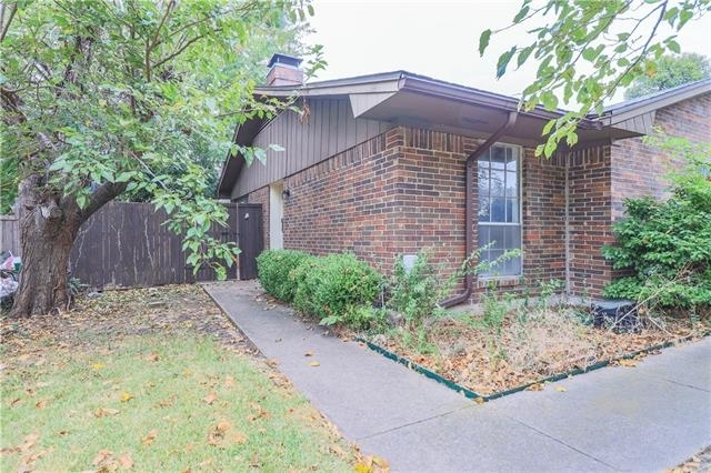 3 Bedrooms, Highland Meadows Rental in Dallas for $1,350 - Photo 2