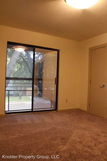 2 Bedrooms, North Oaklawn Rental in Dallas for $1,400 - Photo 1