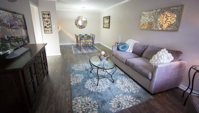 2 Bedrooms, Great Uptown Rental in Houston for $1,150 - Photo 2