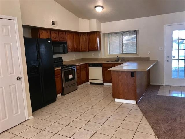 3 Bedrooms, Highland Meadows North Rental in Dallas for $1,475 - Photo 2