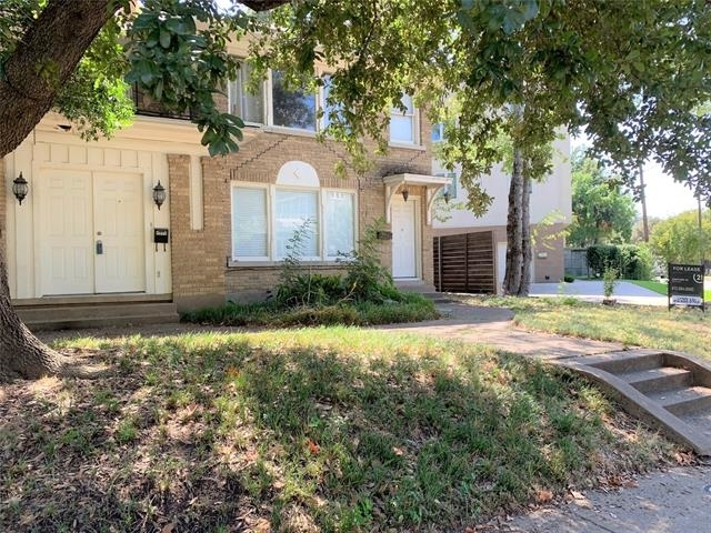 2 Bedrooms, North Oaklawn Rental in Dallas for $1,600 - Photo 2