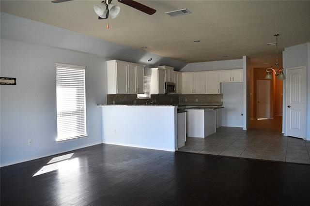3 Bedrooms, McKinney Rental in Dallas for $1,950 - Photo 2
