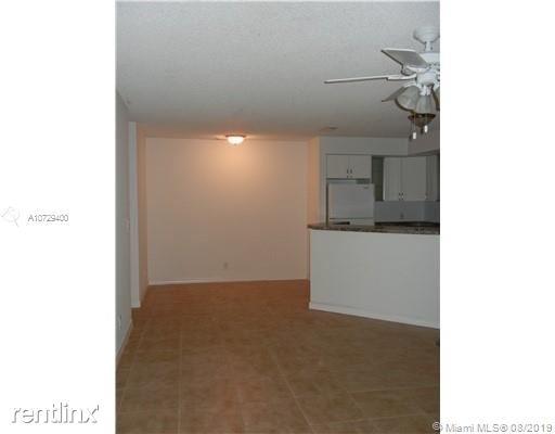2 Bedrooms, Pinebrook Pointe Condominiums Rental in Miami, FL for $1,400 - Photo 1