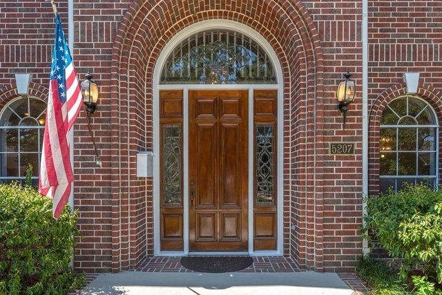 5 Bedrooms, Bellaire Rental in Houston for $5,000 - Photo 1