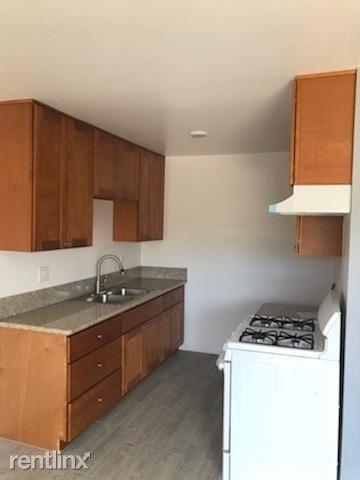 2 Bedrooms, Van Nuys Rental in Los Angeles, CA for $2,000 - Photo 1
