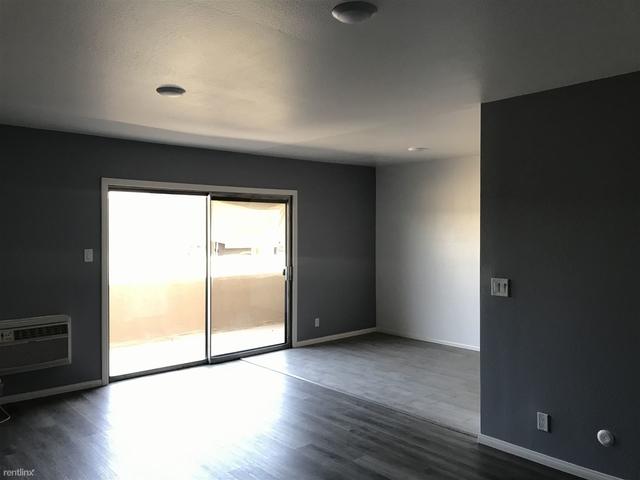 2 Bedrooms, Van Nuys Rental in Los Angeles, CA for $2,000 - Photo 2