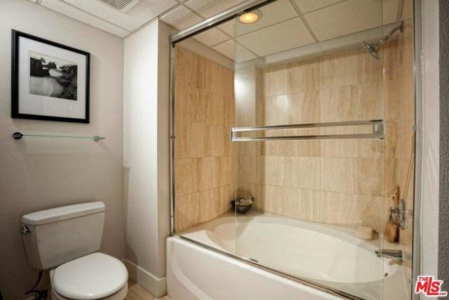 2 Bedrooms, Westwood Rental in Los Angeles, CA for $4,743 - Photo 2