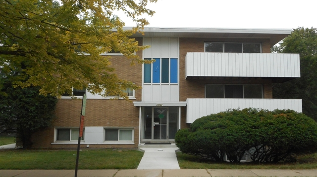 3 Bedrooms, Riverdale Rental in Chicago, IL for $1,300 - Photo 1