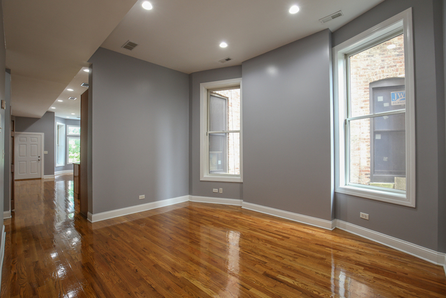 3 Bedrooms, Oakland Rental in Chicago, IL for $2,200 - Photo 2