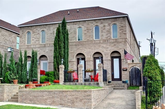 3 Bedrooms, West Highland Rental in Dallas for $2,700 - Photo 2