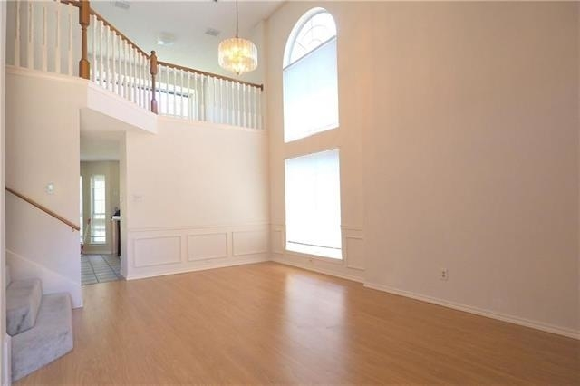 3 Bedrooms, Old Mill Court Rental in Dallas for $1,800 - Photo 2
