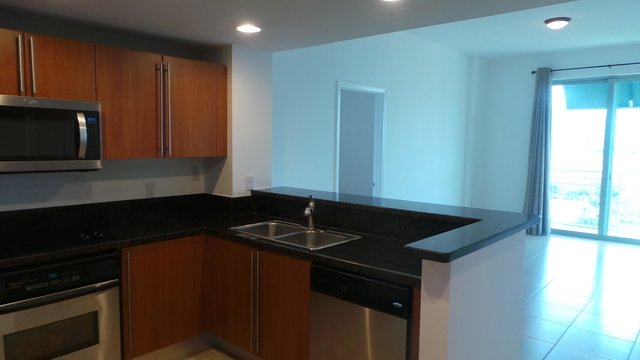 2 Bedrooms, Downtown West Palm Beach Rental in Miami, FL for $1,950 - Photo 2
