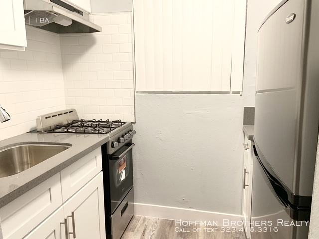 2 Bedrooms, Morningside Park Rental in Los Angeles, CA for $2,295 - Photo 1