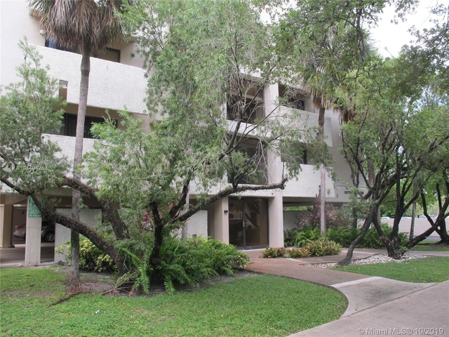 2 Bedrooms, Coral Gables Section Rental in Miami, FL for $1,900 - Photo 2