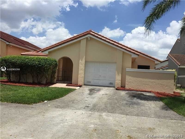3 Bedrooms, Country Club Rental in Miami, FL for $2,350 - Photo 1