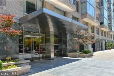 2 Bedrooms, West End Rental in Washington, DC for $7,500 - Photo 1