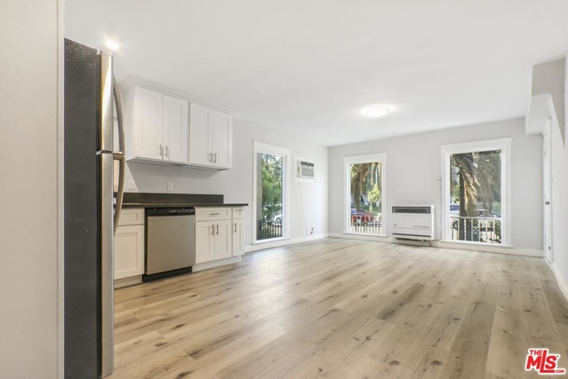 2 Bedrooms, Hollywood United Rental in Los Angeles, CA for $2,495 - Photo 2