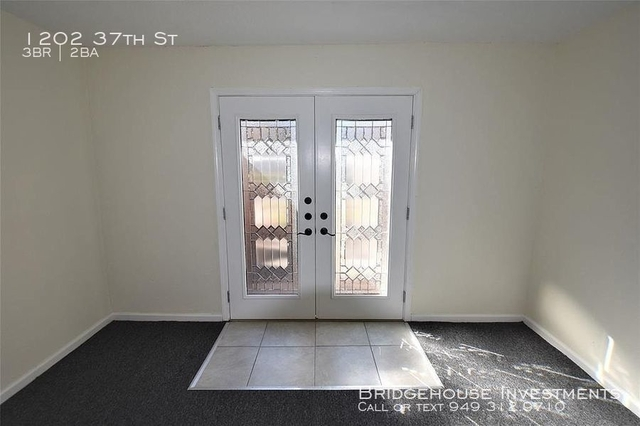 3 Bedrooms, Carver Park Rental in Houston for $1,775 - Photo 2