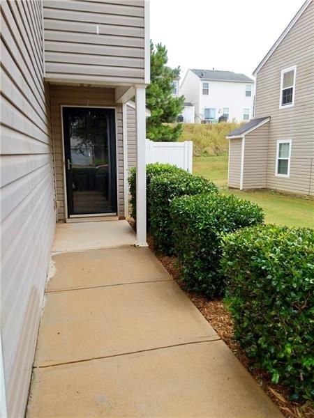 3 Bedrooms, Forsyth County Rental in Atlanta, GA for $1,425 - Photo 2