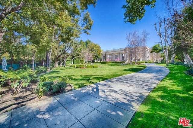 5 Bedrooms, Oak Knoll Rental in Los Angeles, CA for $50,000 - Photo 2