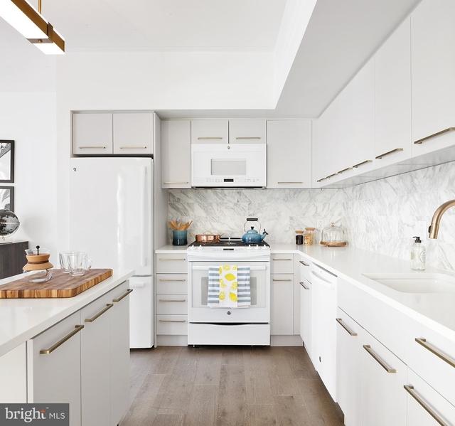 2 Bedrooms, Center City East Rental in Philadelphia, PA for $3,470 - Photo 2
