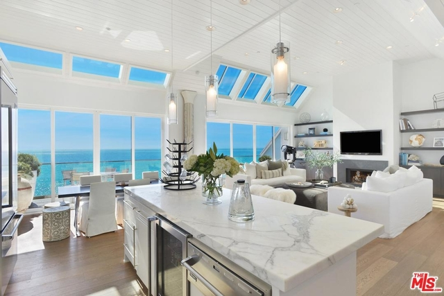 3 Bedrooms, Central Malibu Rental in Los Angeles, CA for $49,000 - Photo 2