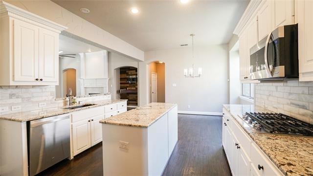 4 Bedrooms, Northridge Estates Rental in Dallas for $2,995 - Photo 2