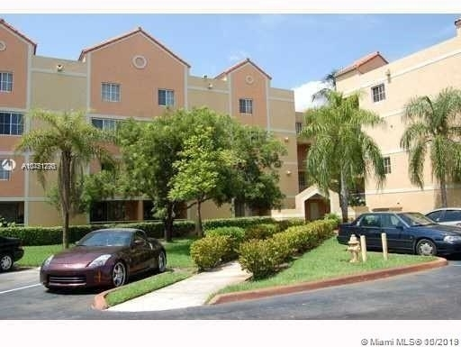2 Bedrooms, Country Lake Rental in Miami, FL for $1,700 - Photo 2