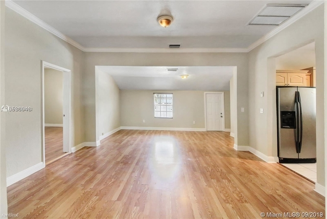 4 Bedrooms, South Vedado Rental in Miami, FL for $3,200 - Photo 2