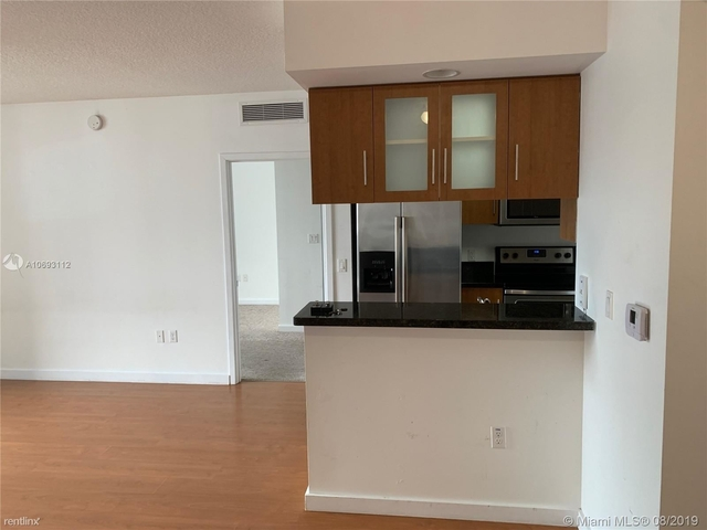 2 Bedrooms, Shorelawn Rental in Miami, FL for $2,150 - Photo 2