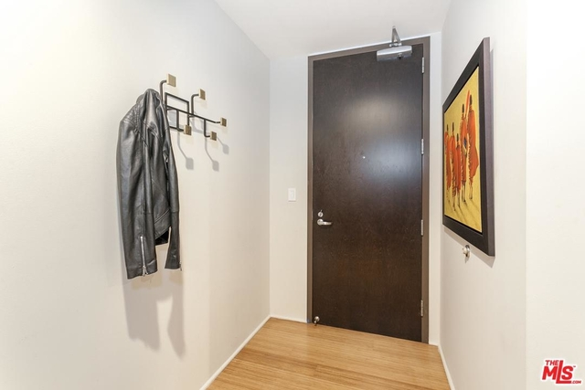 2 Bedrooms, South Park Rental in Los Angeles, CA for $4,950 - Photo 2