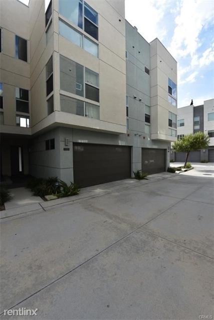 3 Bedrooms, Westside Costa Mesa Rental in Los Angeles, CA for $4,150 - Photo 2
