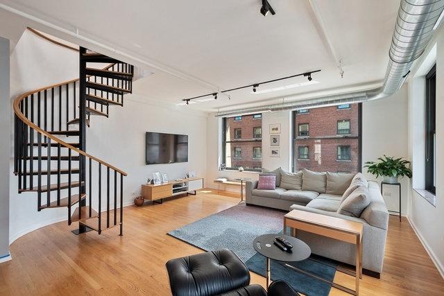 4 Bedrooms, The Loop Rental in Chicago, IL for $4,300 - Photo 2