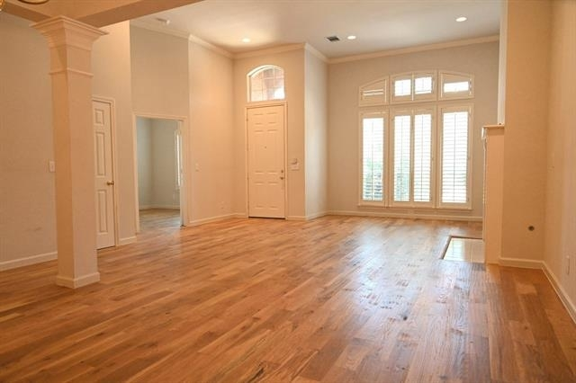 3 Bedrooms, Roehampton Court Rental in Dallas for $2,190 - Photo 2