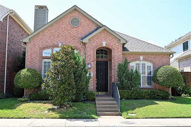 3 Bedrooms, Roehampton Court Rental in Dallas for $2,190 - Photo 1