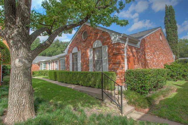 2 Bedrooms, Indian Creek Condominiums Rental in Dallas for $1,995 - Photo 2