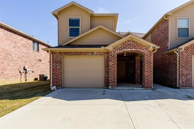 3 Bedrooms, The Audra Heights Rental in Denton-Lewisville, TX for $1,650 - Photo 2