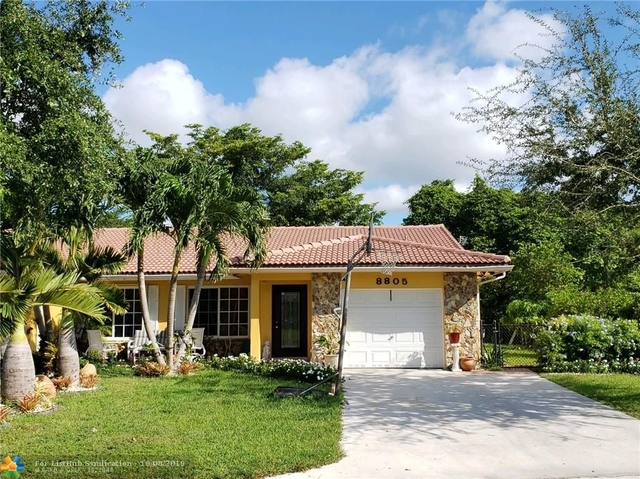 3 Bedrooms, Forest Hills Rental in Miami, FL for $2,100 - Photo 1